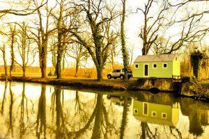 Unser Tiny House am Fluss